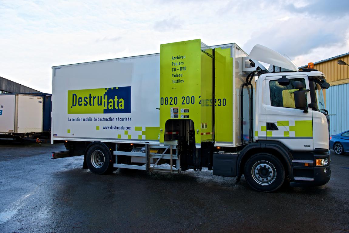 Nouveau camion de destruction certifié DIN4